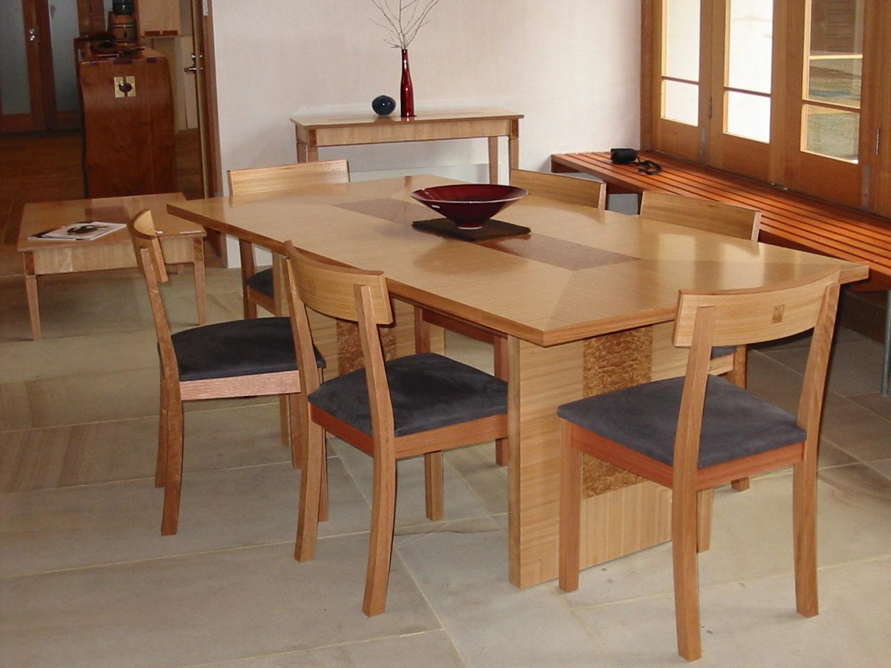 Winston Table