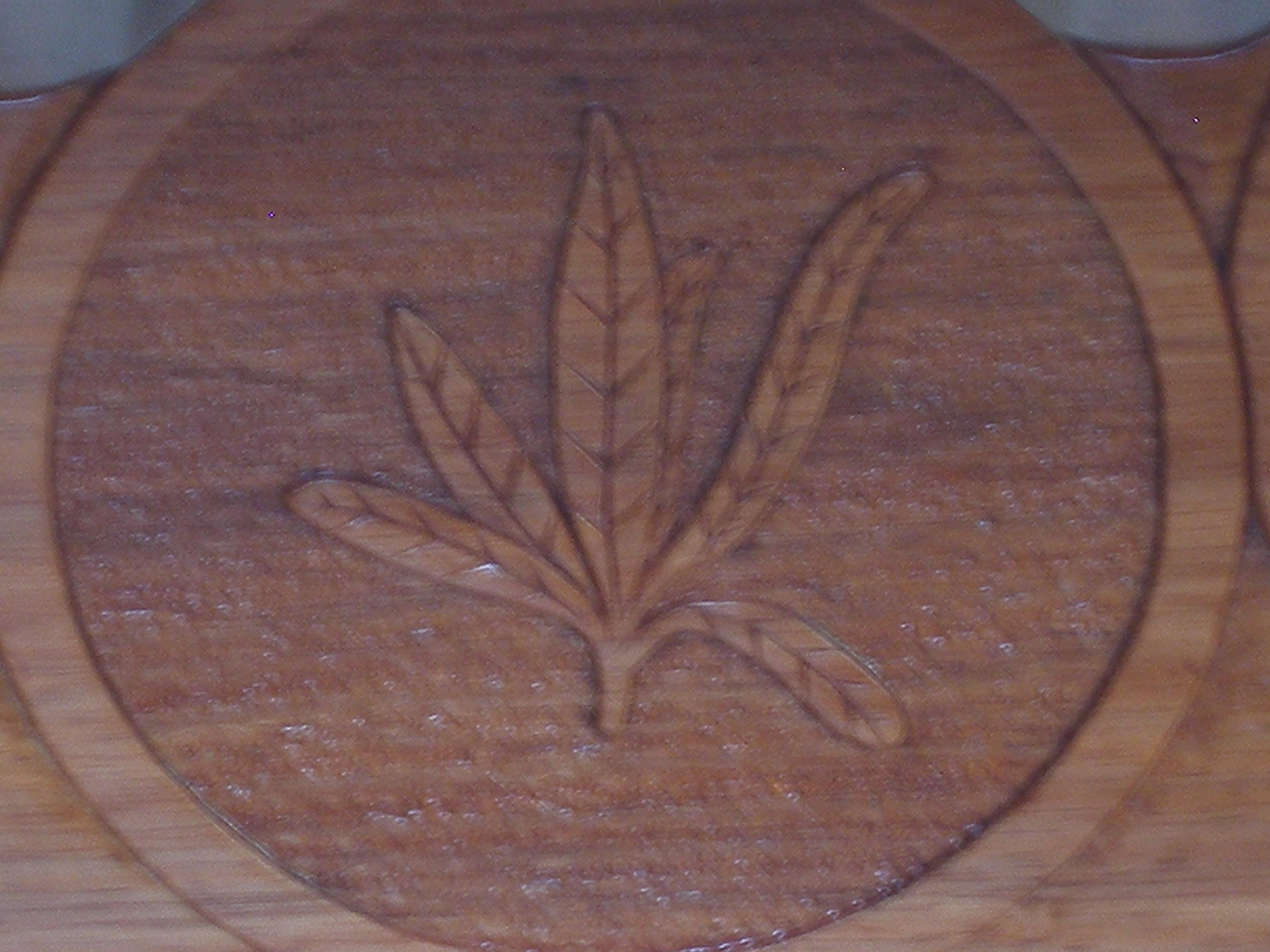 Pillar coffee table detail