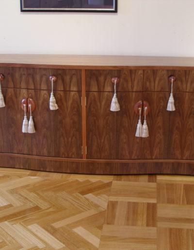 Tassel cabinet